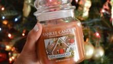 Vánoční svíčka Yankee Candle. | Zdroj: Weheartit.com