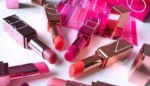 Pořiďte si slevou i dekorativní kosmetiku značky NARS. Zdroj fotky: Weheartit.com